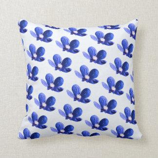 Flores selvagens azuis almofada