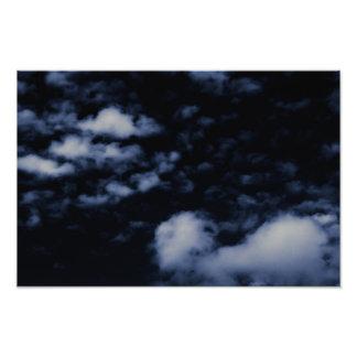 Flutuação na escuridão - impressão fotográfico