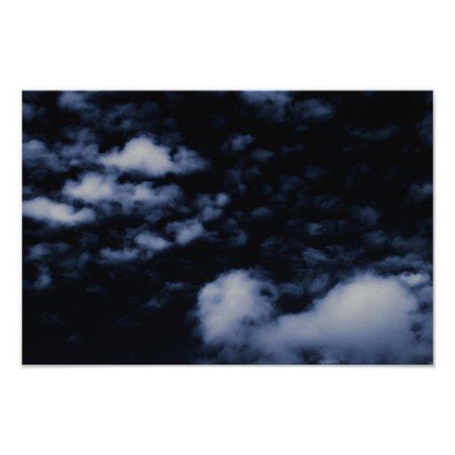 Flutuação na escuridão - impressão fotográfico foto