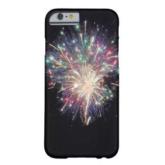 Fogos-de-artifício coloridos capa barely there para iPhone 6