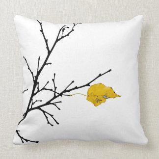 Folha amarela da limeira travesseiros