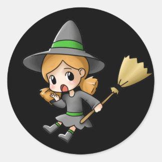 Folha da etiqueta da bruxa do Dia das Bruxas Chibi Adesivo Redondo