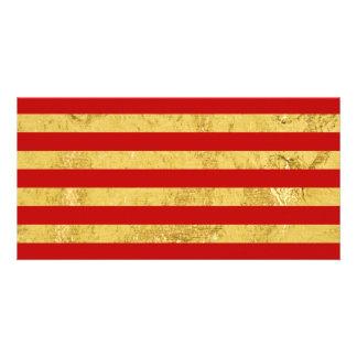 Folha de ouro elegante e teste padrão vermelho da cartão
