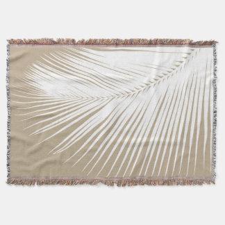 Folha de palmeira - branco no tan do taupe throw blanket