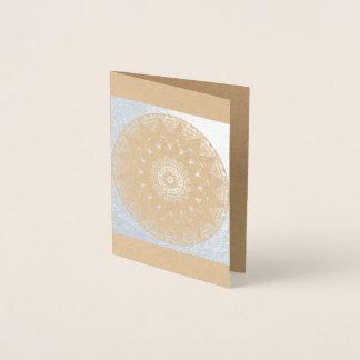 Folha de prata no cartão vazio da mandala de Kraft