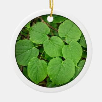 Folhas da limeira ornamento de cerâmica redondo
