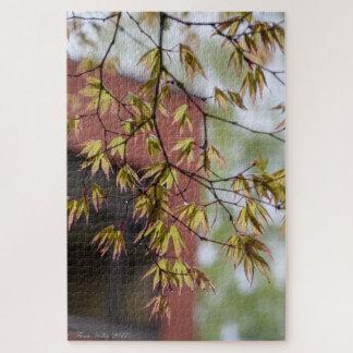 Folhas da queda em um quebra-cabeça do ramo