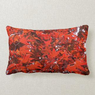 Folhas de bordo vermelhas almofada lombar