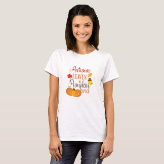 Folhas de outono e camisa da especiaria da abóbora