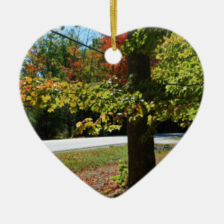 Folhas de outono em Maine Ornamento De Cerâmica Coração