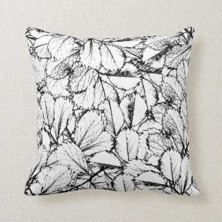 Folhas do branco almofada