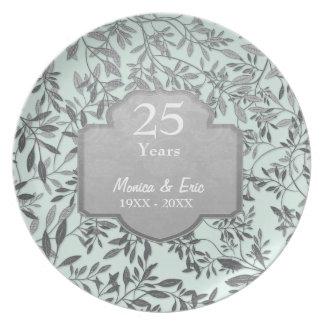 Folhas placa do aniversário de casamento da prata pratos