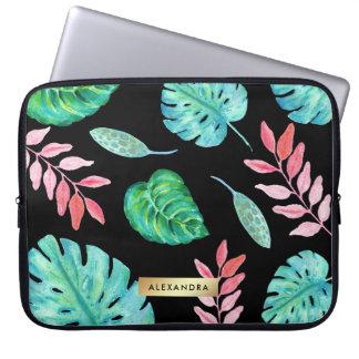 Folhas tropicais da aguarela no preto com ouro do capa de notebook