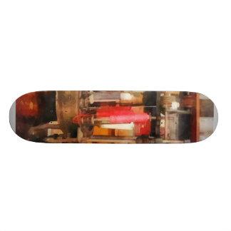 Fontes na loja do alfaiate skateboard
