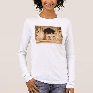 Fora do Taj Mahal, ilustrado provavelmente 'no pH Camiseta Manga Longa