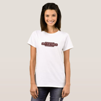 Fora do tshirt branco das mulheres dos trilhos camiseta