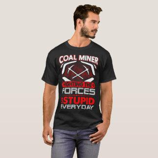 Força de luta do mineiro de carvão da camisa