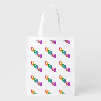Forma da palavra em letras coloridas sacolas ecológicas