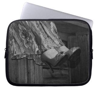 Forma preto e branco bolsa e capa para computadore