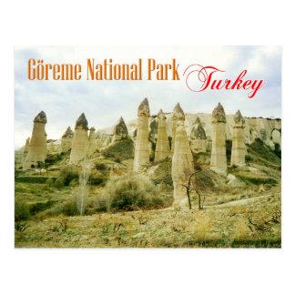 Formações de rocha feericamente da chaminé, cartão postal