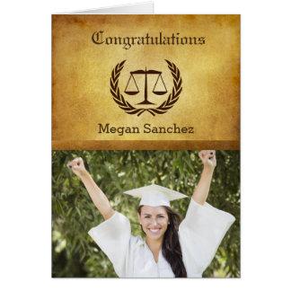 Formando da escola de direito dos parabéns cartão comemorativo