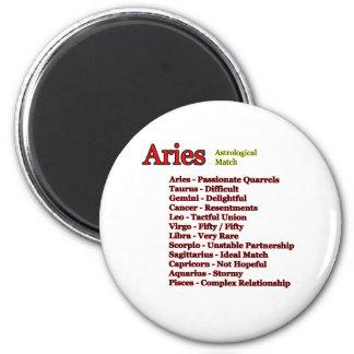 Fósforo astrológico do Aries os presentes de Zazzl Ímã Redondo 5.08cm