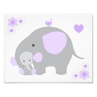 Foto Arte cinzenta roxa da parede do bebé do berçário