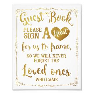 Foto assine um ouro do sinal do casamento do livro de