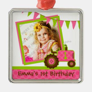 Foto cor-de-rosa do primeiro aniversario do trator ornamento