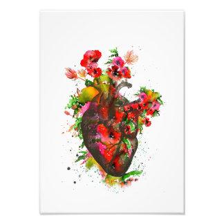 Foto Coração anatômico com flores, coração floral