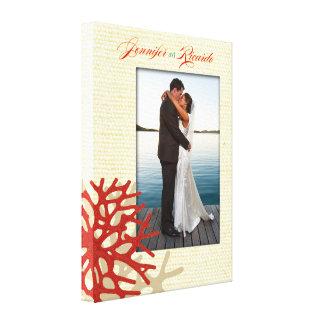 Foto coral do casamento das canvas da praia