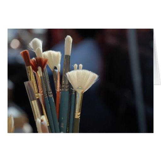 Foto das escovas de pintura do artista cartão