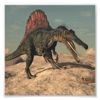 Foto Dinossauro de Spinosaurus que caça um cobra