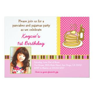 Foto do convite do aniversário das panquecas e dos