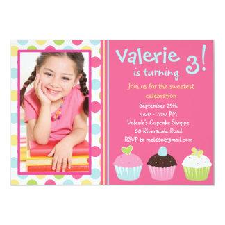 Foto do convite do cupcake/convite do cupcake