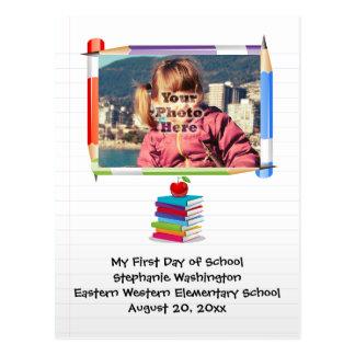 Foto do costume da escola dos miúdos das crianças cartao postal