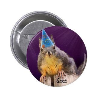 Foto do esquilo do aniversário bóton redondo 5.08cm