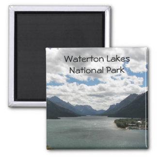 Foto do viagem dos lagos Waterton Ímã Quadrado