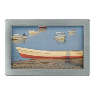 Foto dos barcos na baía no por do sol em Portugal
