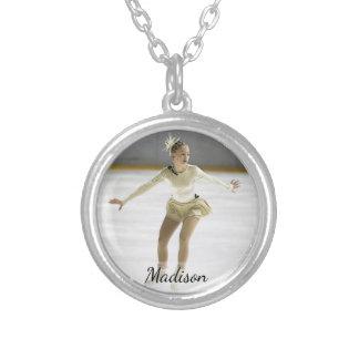Foto feita sob encomenda personalizada e nome do colar banhado a prata