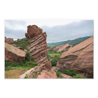 Foto Formações e escalas de rocha que cercam rochas