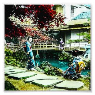 Foto Gueixa do vintage na árvore de bordo da casa de