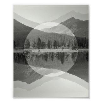 Foto Impressão preto & branco do espelho da montanha da
