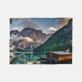 Foto italiana da paisagem do lago mountains cobertor de velo