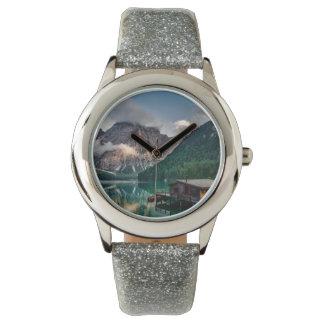 Foto italiana da paisagem do lago mountains relógio