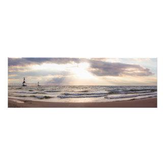 Foto Lago Michigan do farol de St Joseph no por do sol