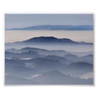 Foto Mar de montanhas nevoentas