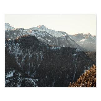 Foto Montanhas no crepúsculo