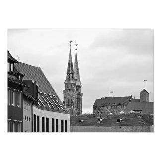 Foto Nuremberg. As torres da igreja de St. Sebald