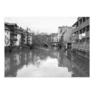 Foto O rio de Pegnitz. A ponte ao Tredelmarkt